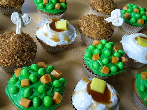 TV dinner cupcakes by MyPaperCrane