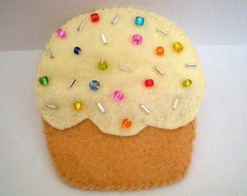 Vanilla Cupcake by RitzeeRebel